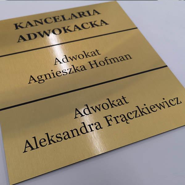 tabliczki informacyjne dla adwokatów